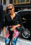 beyonce-floral-pants-nyc-office-4