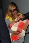beyonce-blue-ivy-blanket-nyc-office-parkwood-3