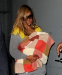 beyonce-blue-ivy-blanket-nyc-office-parkwood-4