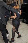 beyonce-nyc-office-black-outfit